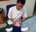 טיפול בהטיית הראש לאחור אצל תינוק טורטיקוליס